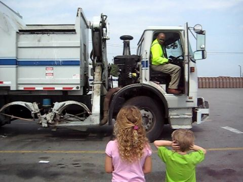 Garbage Truck 2 Video
